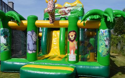 Lej hoppeborg med rutschebane og pop-up aktiviteter